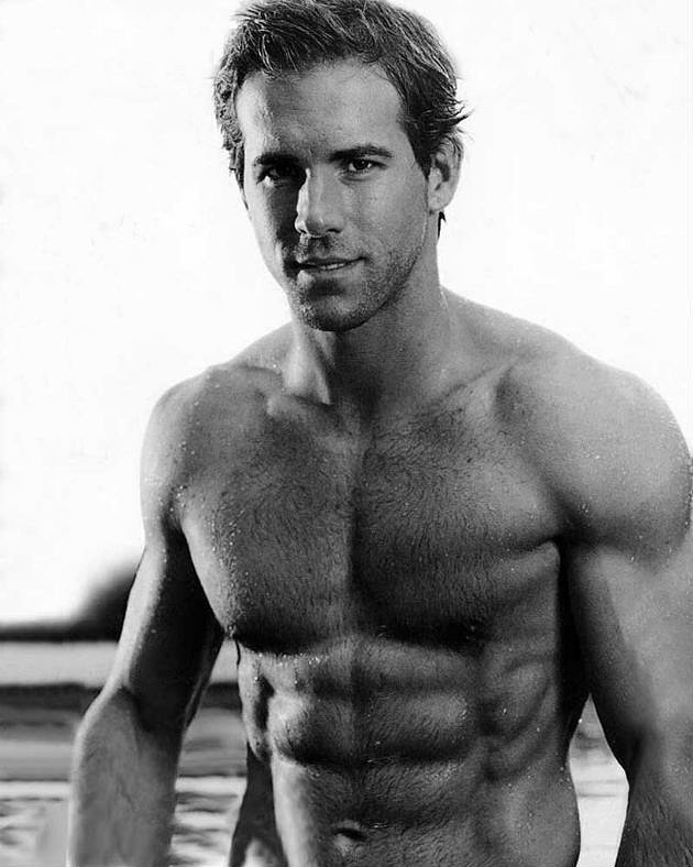 26-Hottest-Pictures-Hot-Dad-Ryan-Reynolds