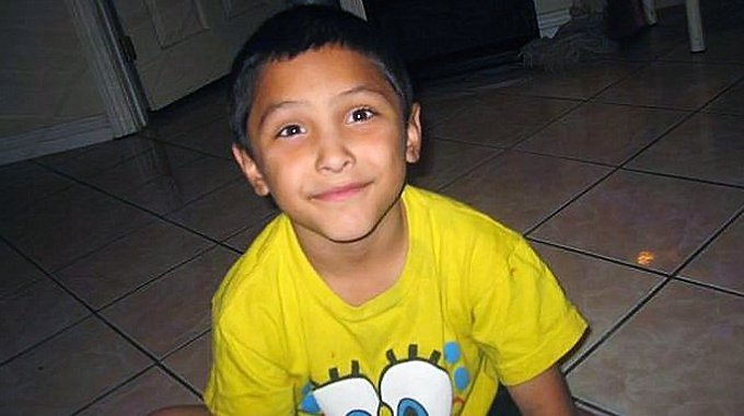 His mother's boyfriend, Isauro Aguirre, has been charged with his murder  and is currently on trial. On Tuesday (October 24), criminal specialist  Tiffany ...